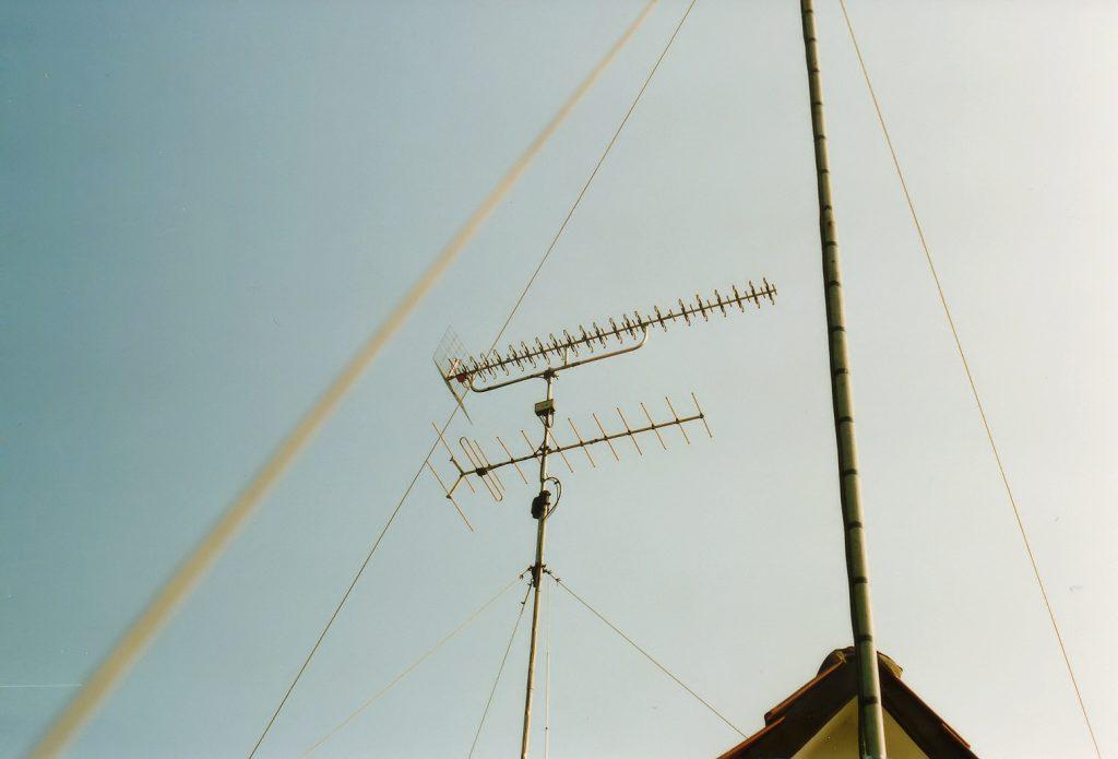 13 VHF & 42 UHF elements antennes