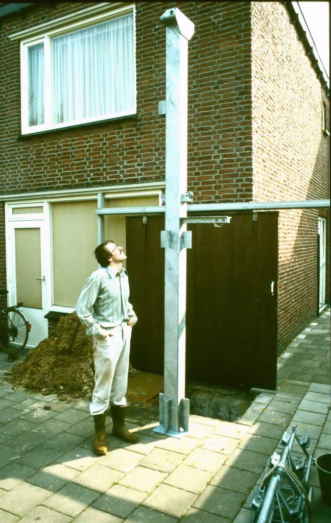 Versatower voet 4 meter, straks 2 meter in de beton gegoten